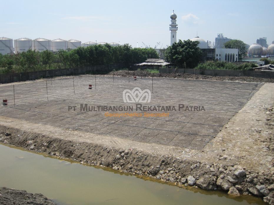Landasan Peti Kemas JICT Tanjung Priuk