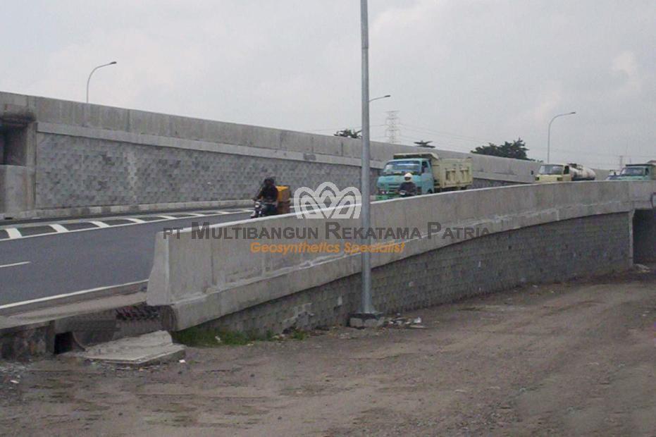 Jalan Tol Simpang Susun Waru - Juanda