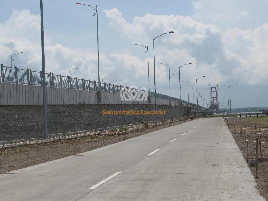 Jembatan Suramadu Sisi Surabaya