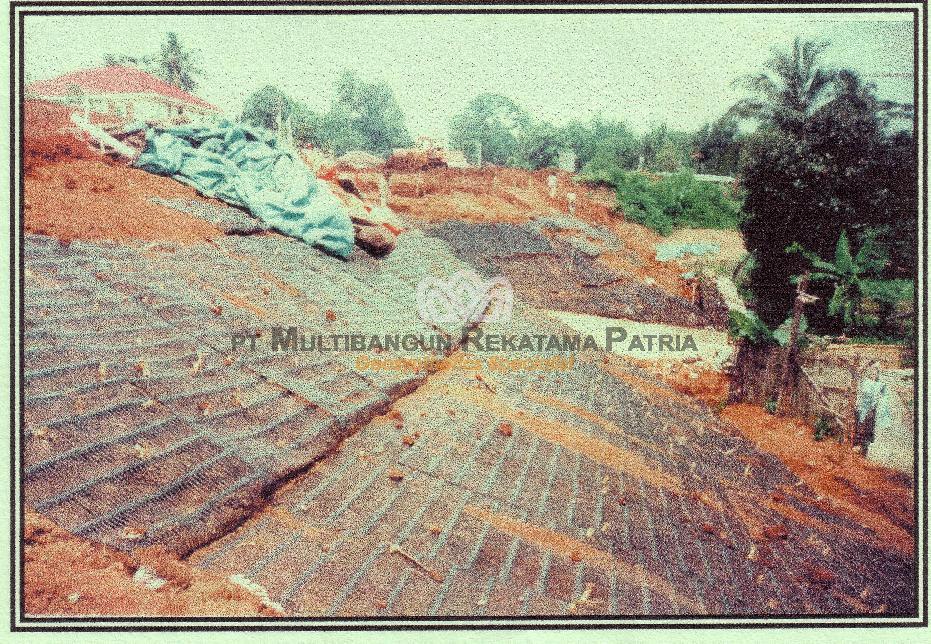 Proteksi Lereng Perumahan Rancamaya, Bogor