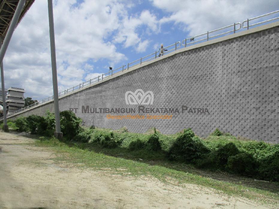 Multiblock Retaining Wall system Slag Storage Pabrik Semen - Cibinong 06